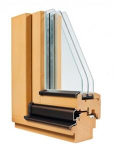 Ecke eines Holzfenster mit Regenschiene,Isolierverglasung und Nut für Flügelfalzdichtung